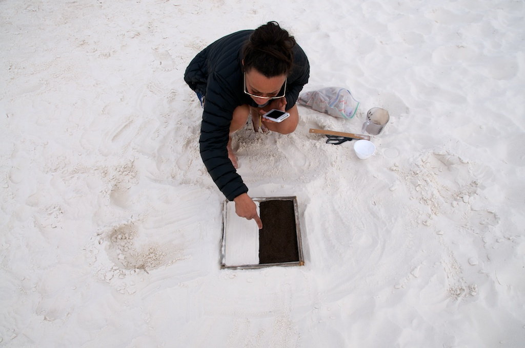 Jennifer Elsner, Entropy experiment, White Sands National Monument, New Mexico.