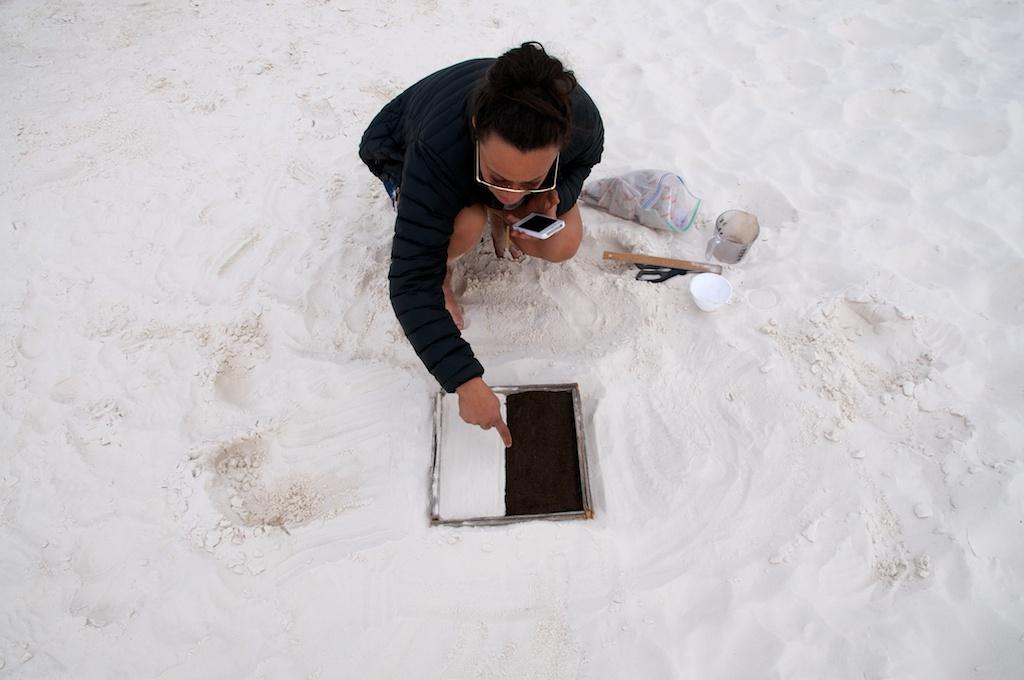 Jennifer Elsner, Entropy experiment, White Sands National Monument, New Mexico.